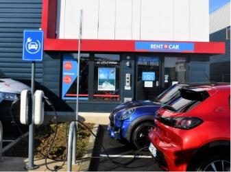 Borne de recharge Rent a car