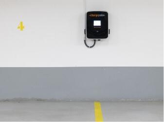 Borne de recharge charge point parking souterrain